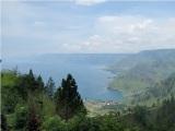 Danau Toba terbentuk karena ledakan gunung berapi super (supervolcano) sekitar 73.000 – 75.000 tahun yang lalu
