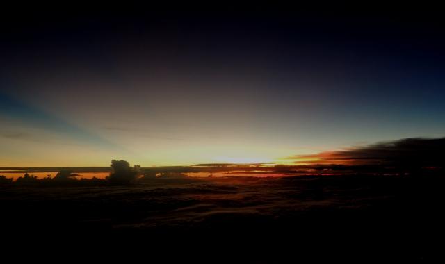 Senja dari atas pesawat Airasia. Jakarta-Singapura
