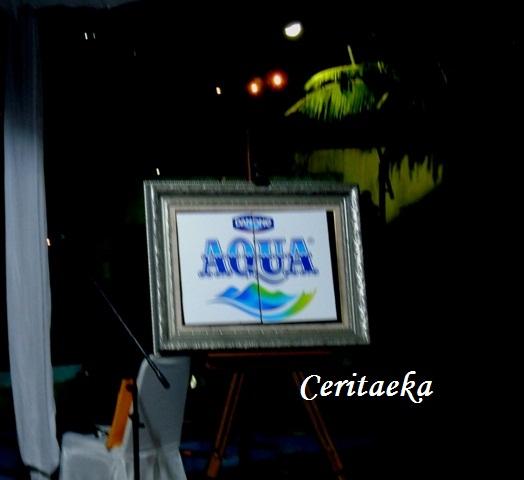 Ohiya, di ulang tahunnya yang ke-40 tahun ini, Aqua ganti logo lho. Ini nih logo barunya Aqua.