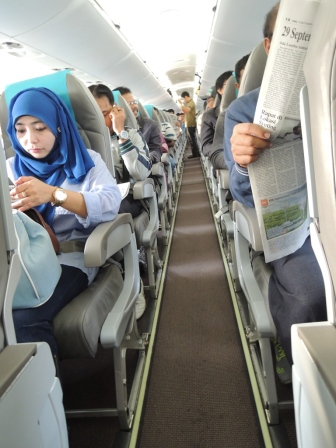 8a Garuda CRJ 100
