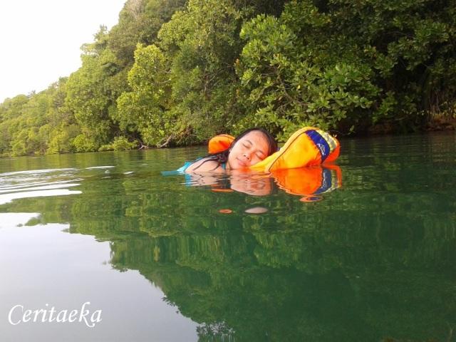 5 Kakaban Lake