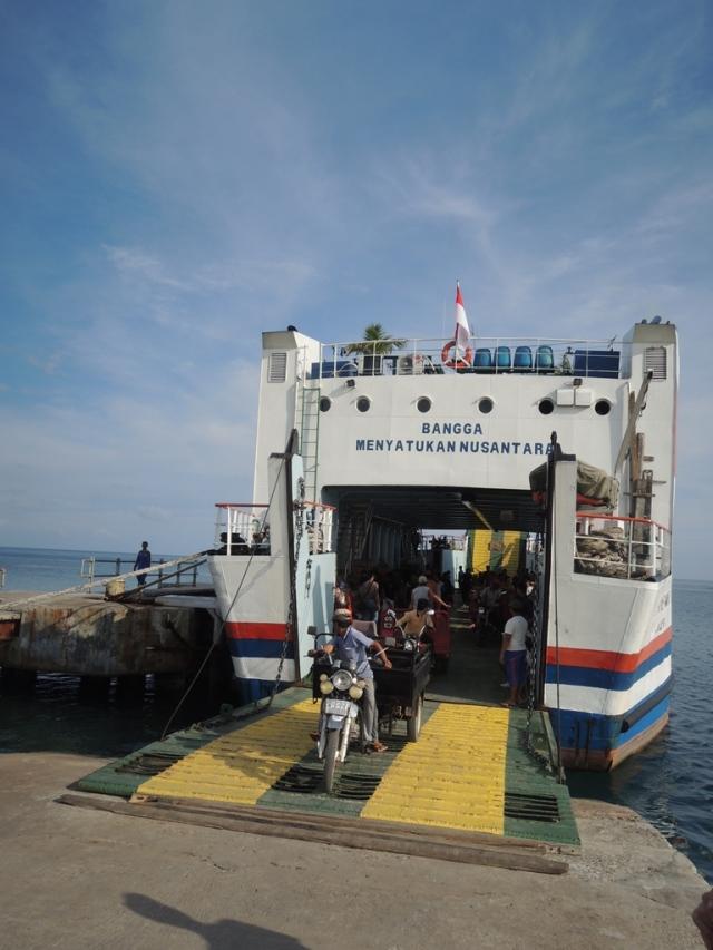 KMP Muria, kapal rute Jepara-Karimun Jawa dengan lama peerjalanan 6 jam sajaaaa :D