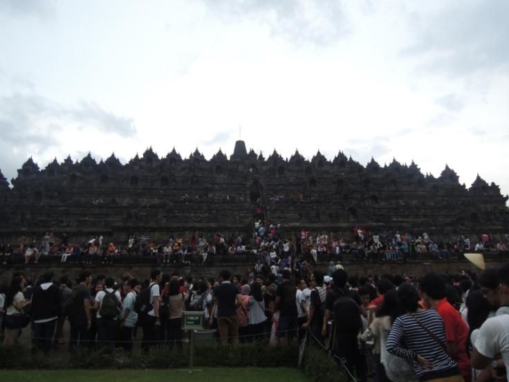 Borobudur yang penuh sesak - Mei 2013-