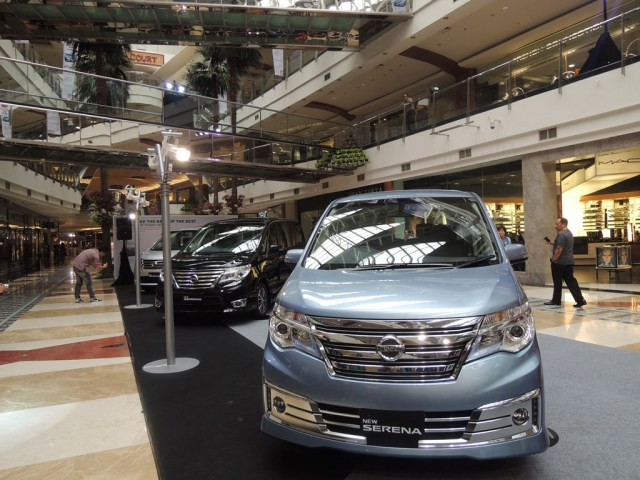 Launching Nissan New Serena di PIM 2