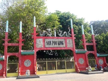 Gerbang Klenteng Sam Poo Kong