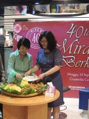 Mira W 40 tahun berkarya