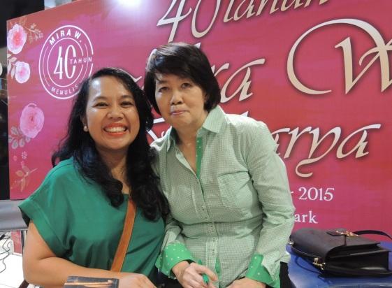 Akhirnya kesampaian juga ketemu Ibu Mira W.! :* Yeay