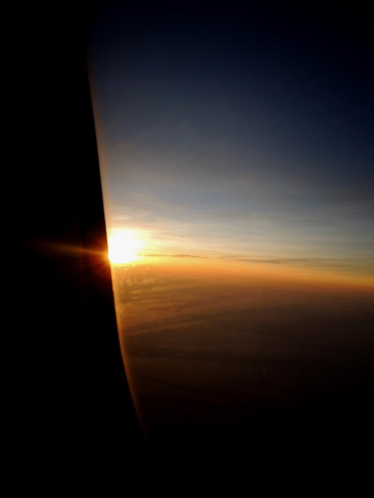 dari jendela pesawat...