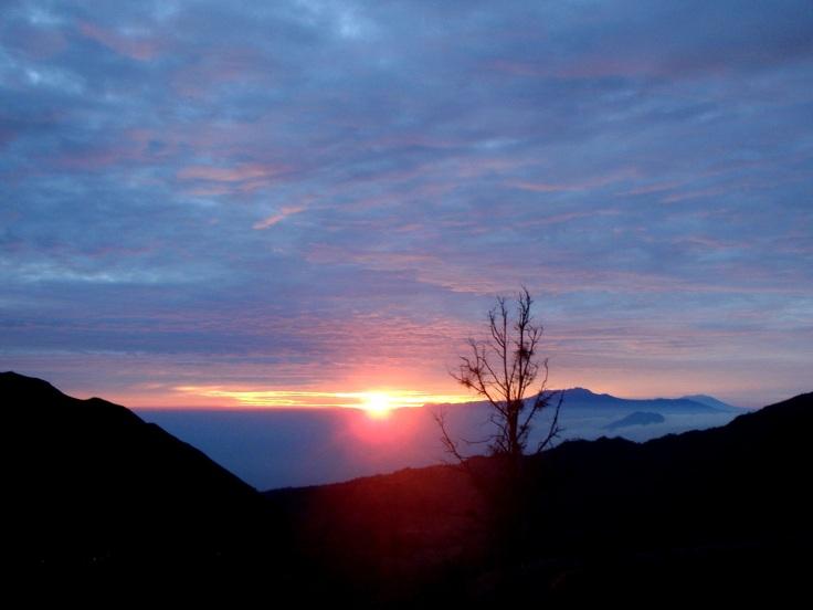Sunrise yang kudus di Bromo