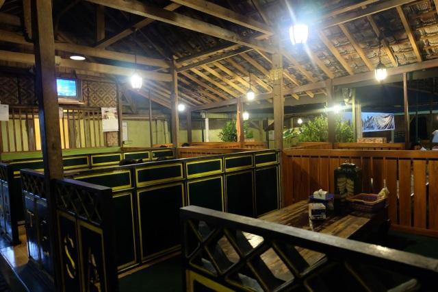 Interior Sate Klatak Pak Pong