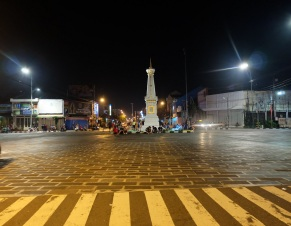 Tugu Yogyakarta Malam Hari