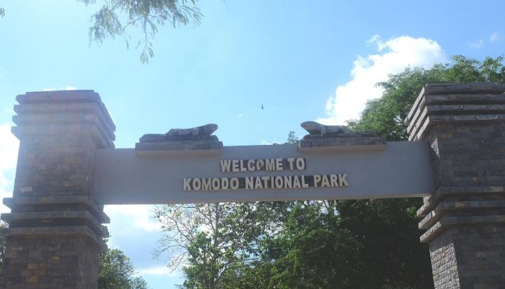Pulau Komodo Island 2