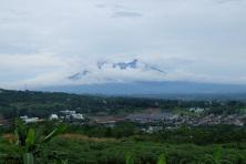 Pemandangan dari perumahan di daerah Sentul tuh secakep gini!