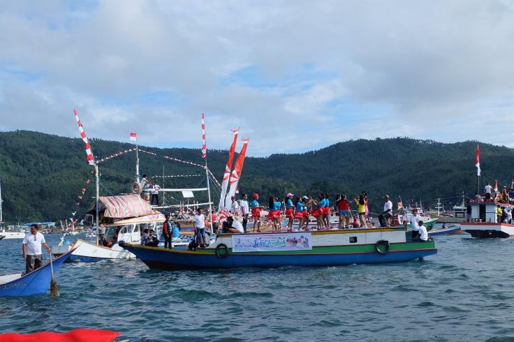 Salah satu kapal dalam Festival Pesona Selat Lembeh yang menarik perhatian saya