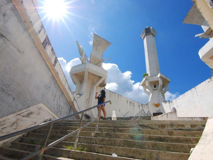 Wisata komplit di Bitung, ada sejarahnya juga! Loc: Tugu Trikora. Pic by: @Ayo_jalan2