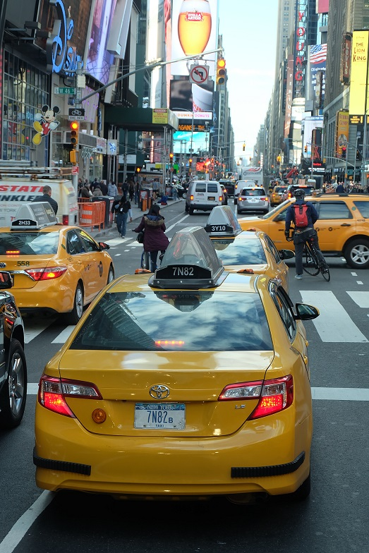Yellow cab, you knnow you are in NYC when you see this a lot :D