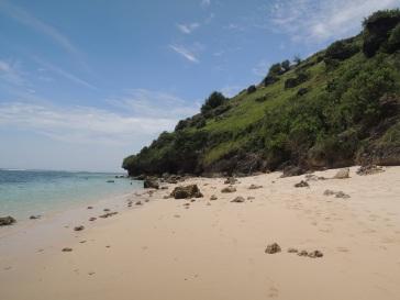 5 Pantai Gunung Payung b