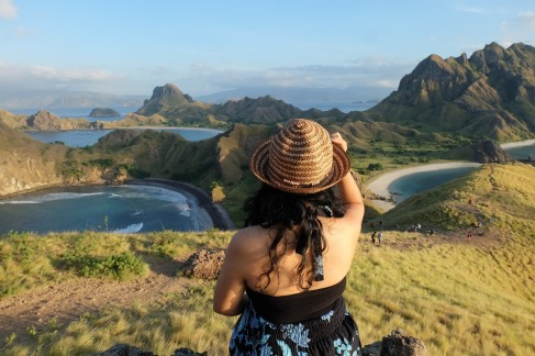 Sunrise di Pulau Padar. Breathtaking!