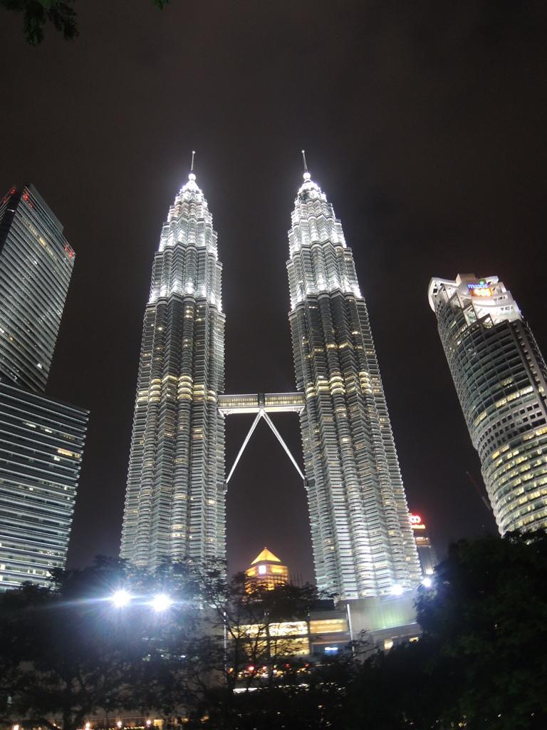 Cara Liburan Hemat ke Kuala Lumpur (KL), Malaysia bareng Traveloka on