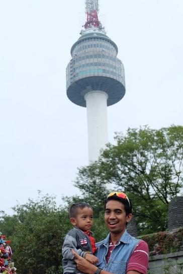Basti dan Papi Adrian di Namsan Seoul Tower