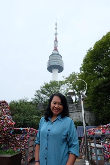 Love Lock dengan latar Namsan Seoul Tower