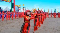 Para Penari di Festival Iraw Tengkayu