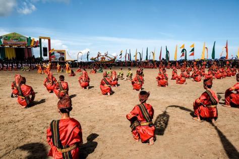 Tarian Kolosal di Festival Iraw Tengkayu